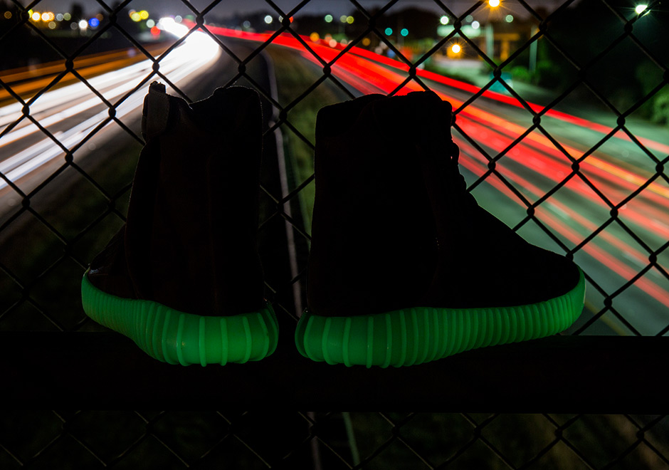 bac4435486c THE GLOW-IN-THE-DARK ADIDAS YEEZY BOOST 750.