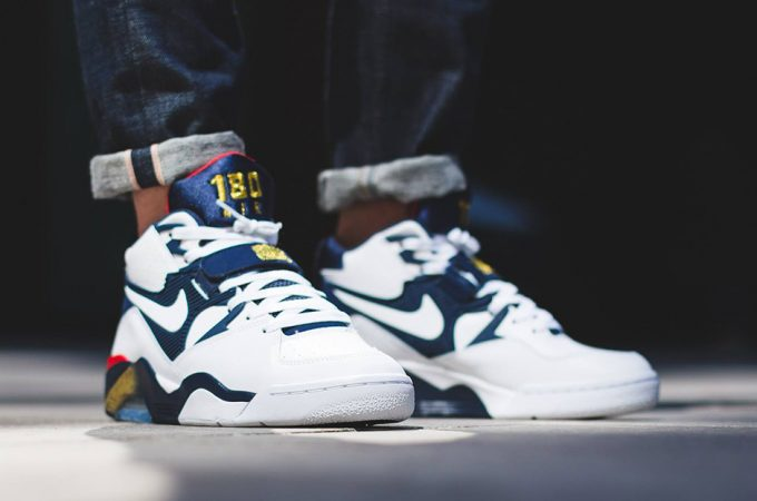 "THE NIKE AIR FORCE 180 ""OLYMPIC</p>                     </div> 		  <!--bof Product URL --> 										<!--eof Product URL --> 					<!--bof Quantity Discounts table --> 											<!--eof Quantity Discounts table --> 				</div> 				                       			</dd> 						<dt class="